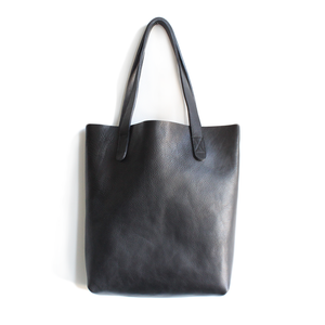 Unlined Tote - Black Vegetable Tanned