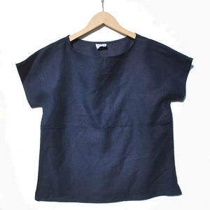 Image of Arrow Tee <br>Navy Linen<br>