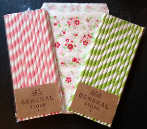 "Image of NEW! Floral Medium Treat/Goody Bags (approx 5""x7.5"")"