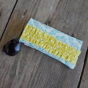 Image of sunnies case - turquoise damask 