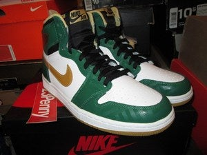 Image of Air Jordan I (1) Retro HI &quot;Clover/Metallic Gold&quot;