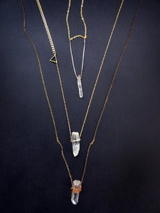 Image of LARA PLAYED WITH FIRE - necklace (white quartz)