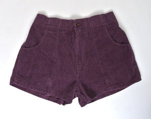 Image of Vintage corduroy shorts (W29 to W31)