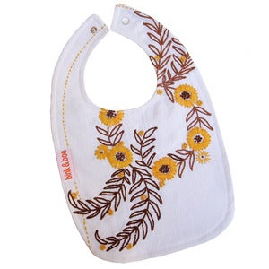 Image of &quot;Perry&quot; traditional bib
