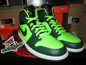 Image of Air Jordan I (1) Retro Mid &quot;Gorge Green&quot;