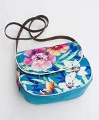 Image of the hawaii bag. (a)