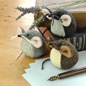 Image of Woollen Paperweight Mouse