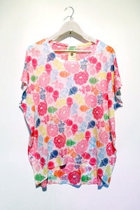 Image of multicoloured flower stamp print tee