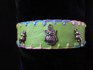 Image of GREEN FAUX LEATHER COLLAR - Owl