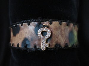 Image of LEOPARD FAUX LEATHER COLLAR - Key