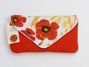 Image of the summer snap clutch (vintage peony)