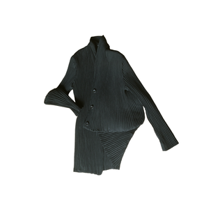 Image of ISSEY MIYAKE black pleated jacket