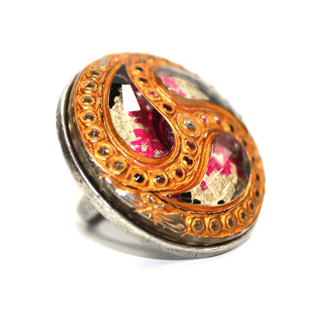 HURRICANE VINTAGE GLASS MULTI COLORED COCKTAIL RING