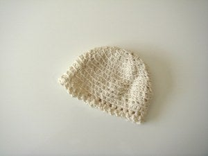Image of hand knit Girl's hat in organic cotton- White