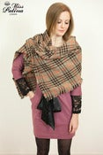 Image of Miss Patina Classic Check Pattern Shawl/Scarf (brown)