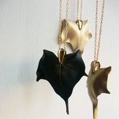 Image of ivy pendant chain