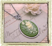 Jewelry: &quot;Flower bouquet&quot; in Green