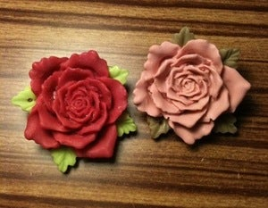 Image of Vintage style Rose brooch in red or dusty pink