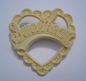 Image of Sweetheart Brooch - Pink or Yellow