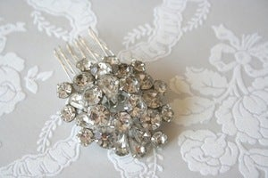 Image of Vintage rhinestone bridal hair comb : piece 001