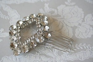 Image of Vintage rhinestone bridal hair comb : piece 003