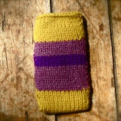 Image of Purple iPhone/iPod Snuggle