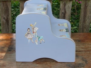 Image of Paper Dolls Stepstool
