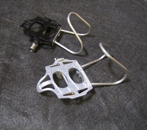 Image of White Industries Pedals with SS Clips