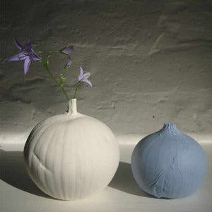 Image of Daniel Reynolds: Onion Vase