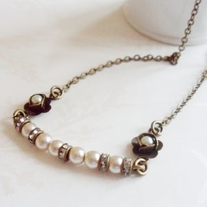 Image of Demure Necklace