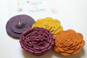 Image of Felt Posie Cluster - Mulberry