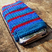 Image of Bohemia iPhone/iPod Snuggle