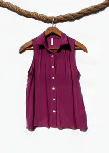 Image of Sleeveless Button-Up - Magenta
