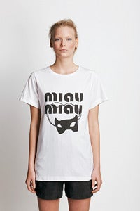"Image of T-shirt ""MIAU MIAU""."