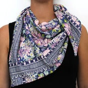 Image of Organic Cotton Knit Triangle Scarf - Blossoms