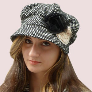 Image of Country Diva Rose Cap in Black Polka Dot