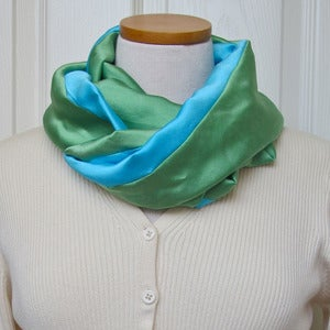 Image of Infinity Scarf Tutorial - EASY - Sew a Scarf from Fleece or any Fabric PDF