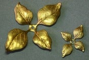 Image of  4 - way leaves, 2 sizes