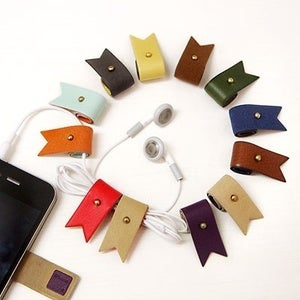 Image of Humming roll up earphone winder v2