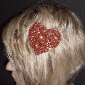 Image of Loverdose: Glitter Heart Hairclip