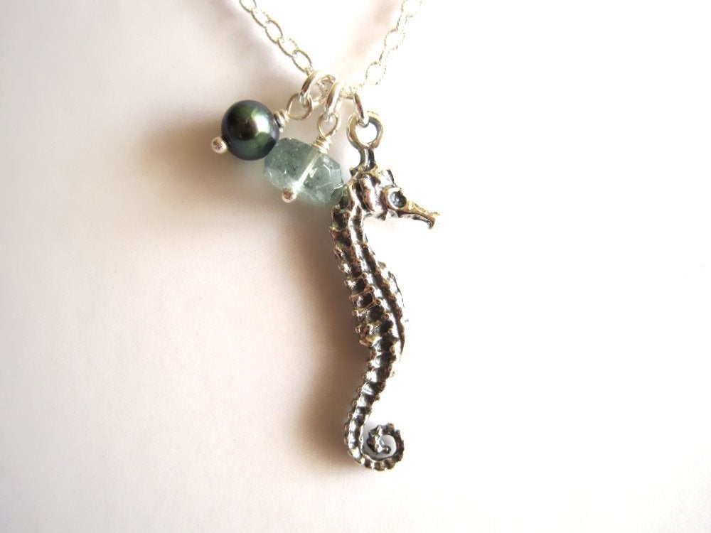 Image of Sea Horse necklace - Mo'o Lio Silver