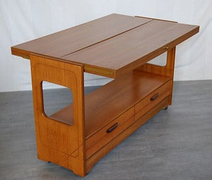 Image of TABLE/CONSOLE/DESSERTE  ROULETTES REF.944