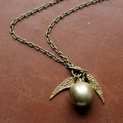 Image of GOLDEN SNITCH