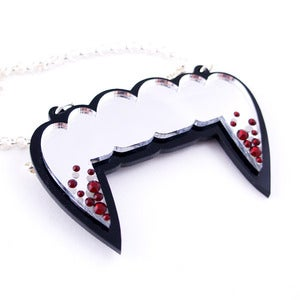 Image of Fangs Necklace