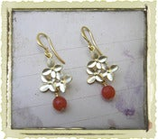 "Jewelry: ""Red Flora"" in Gold"