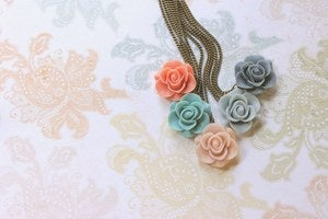 Image of Primavera Colgantes/Necklaces