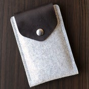 Image of iPhone Felt / Leather Case with Secret Pocket - Light Grey