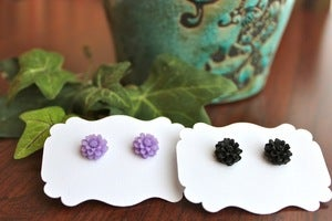 Image of Mini Daisy Earrings