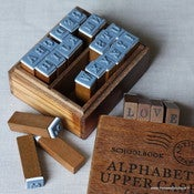 Image of Jolies boites de tampons &quot;alphabet&quot; en bois - Lettres majuscules ou minuscules