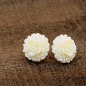 Image of Sail Away - Homecoming Bouquet Blooming Studs in Ivory